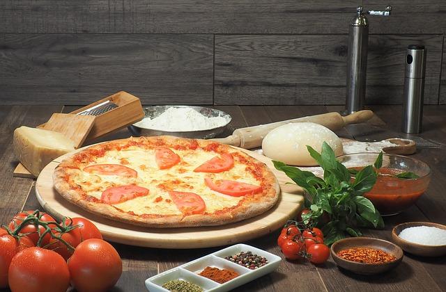 italian-pizza-3773151_640